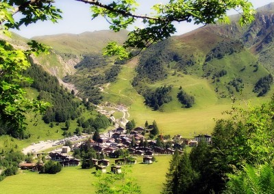 The ski town of Le Tour from the trail - Petit Balcon Nord